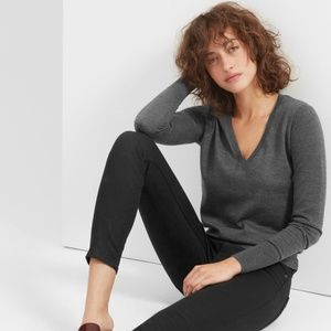 EVERLANE The Luxe Wool V-Neck Charcoal Gray Small
